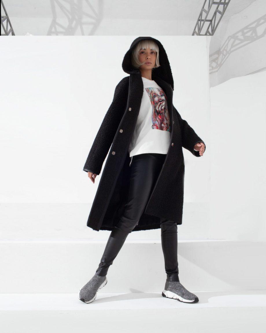 Пальто зимнее oversized с капюшоном